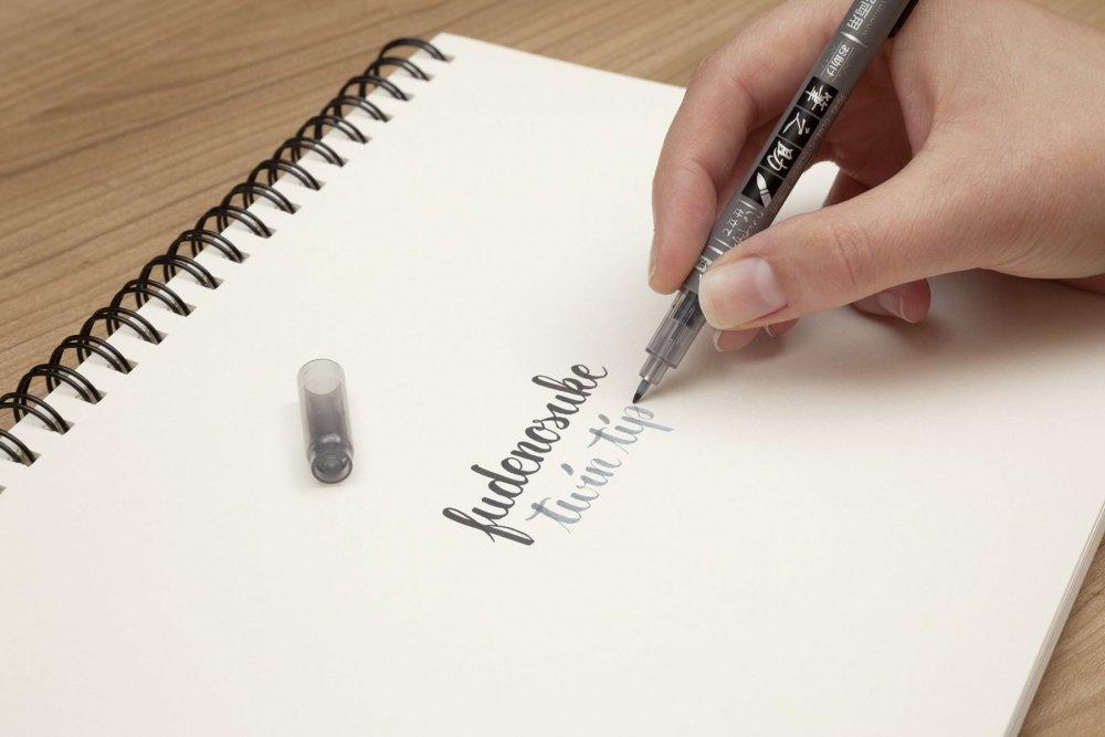 Oboustranný Fudenosuke Brush Pen čierny a šedý